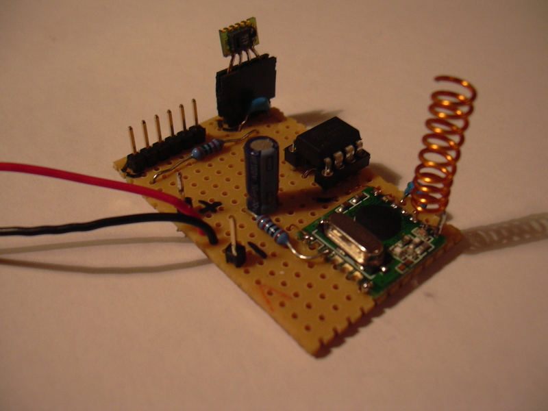 Wireless Temperature and Humidity Sensor with USB